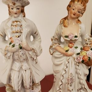 Porcelain Figurines Colonial Couple